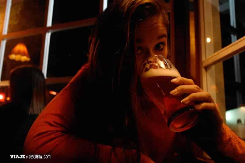bariloche, patagonia, argentina, viajar en pareja, cervecería, cerveza artesanal