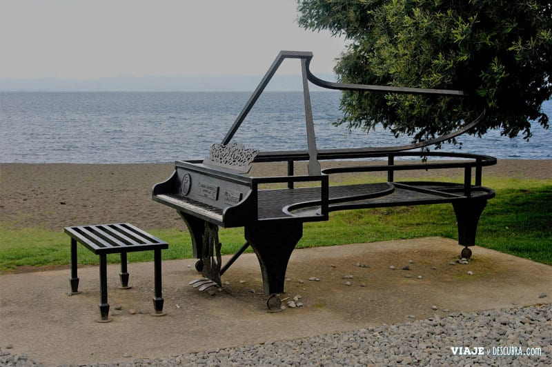 Chile en auto, Frutillar, ciudad de la musica, piano