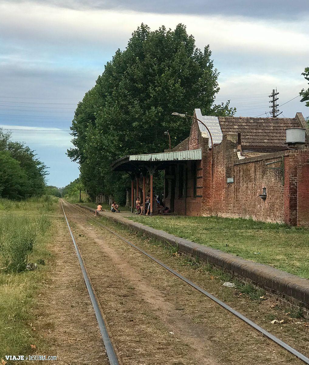 Estación de tren Uribelarrea, pueblitos de buenos aires