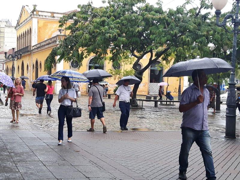 Florianópolis con Lluvia, paraguas, centro