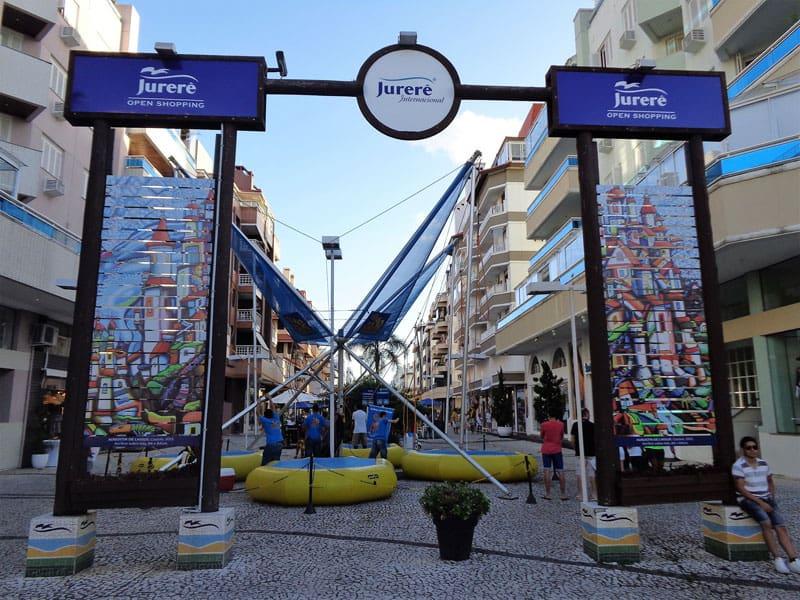 Florianopolis-con-lluvia,-jurere-open-shopping