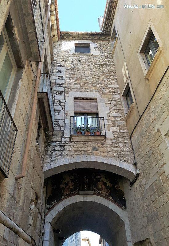 Girona-y-Figueres-en-el-día,-Barcelona,-Girona,-ciudad-medieval,-tour-de-un-día,-arcos