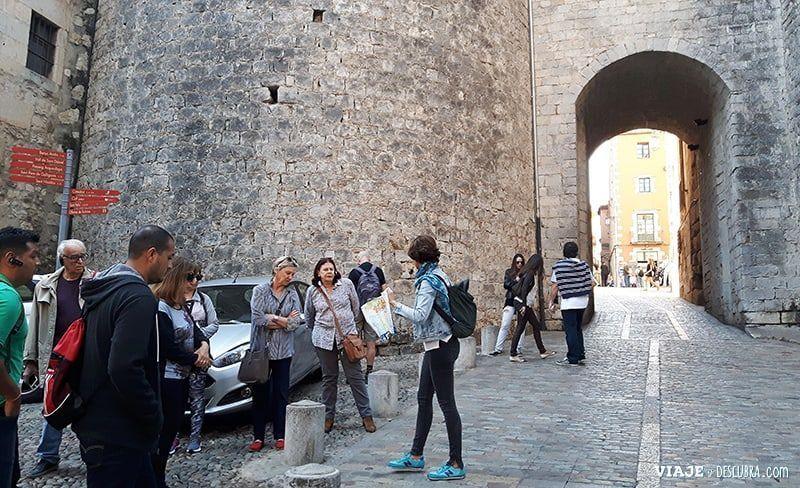 Girona-y-Figueres-en-el-día,-Barcelona,-Girona,-ciudad-medieval,-tour-de-un-día,-walking-tour