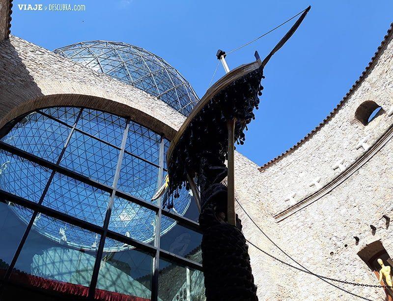 Girona-y-Figueres-en-el-dia,-barcelona,-Figueres,-Teatro-Museo-Dali