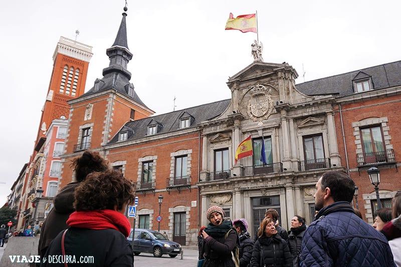Madrid,-Free-Walking-Tour,-tour-gratuito,-tour-a-pie,-imperdibles-Madrid,-Ogotours,--Palacio-de-Santa-Cruz