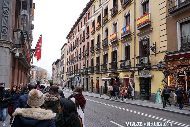 Madrid,-Free-Walking-Tour,-tour-gratuito,-tour-a-pie,-imperdibles-Madrid,-Ogotours,--calle-mayor