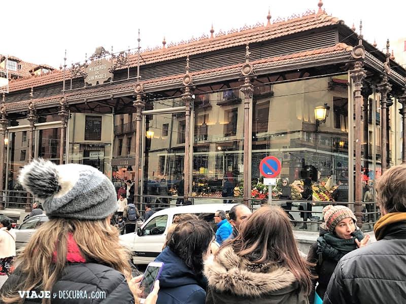Madrid,-Free-Walking-Tour,-tour-gratuito,-tour-a-pie,-imperdibles-Madrid,-Ogotours,-mercado-san-miguel