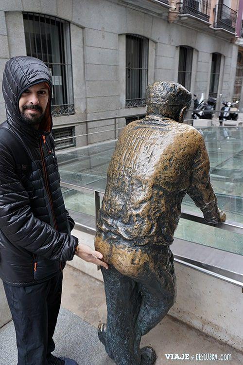 Madrid,-Free-Walking-Tour,-tour-gratuito,-tour-a-pie,-imperdibles-Madrid,-Ogotours,--vecino-curioso,-estatua