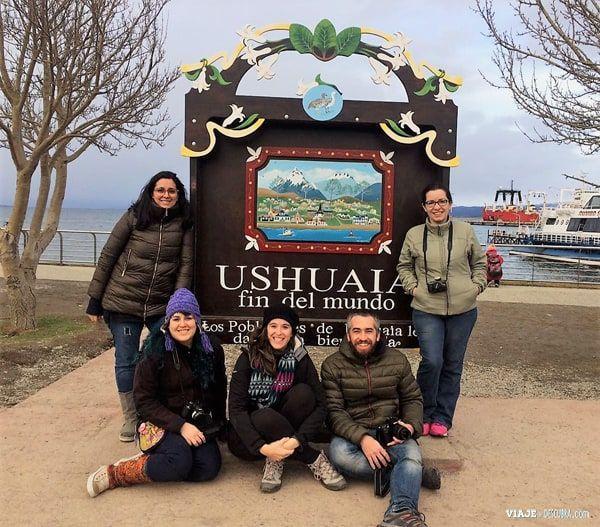 Ushuaia,-Tierra-del-Fuego,-fin-del-mundo,que-hacer-en-Ushuaia,-amigos,-viviushuaia,-cartel-ushuaia