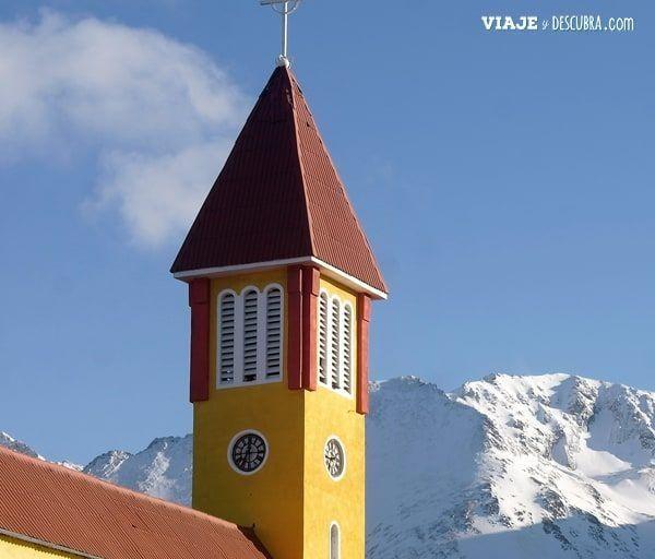 Ushuaia,-Tierra-del-Fuego,-fin-del-mundo,que-hacer-en-Ushuaia,-don-bosco,-parroquia-nuestar-señora-de-la-mercerd