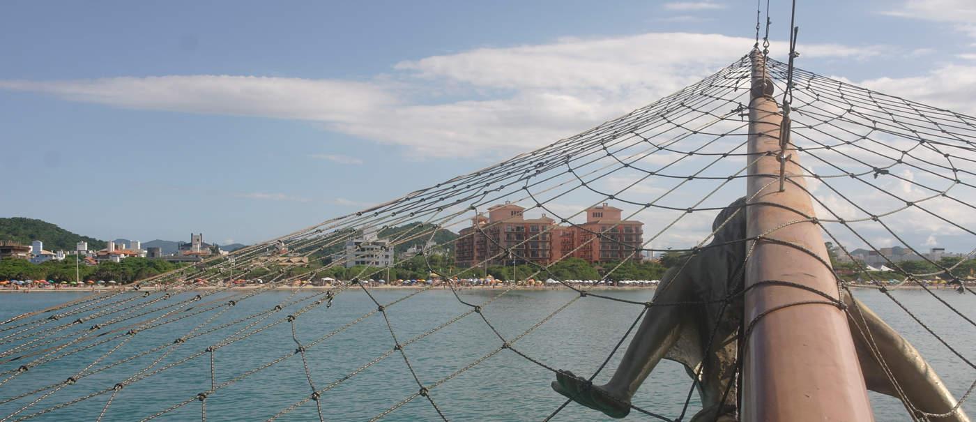 barco-pirata-florianopolis, brasil