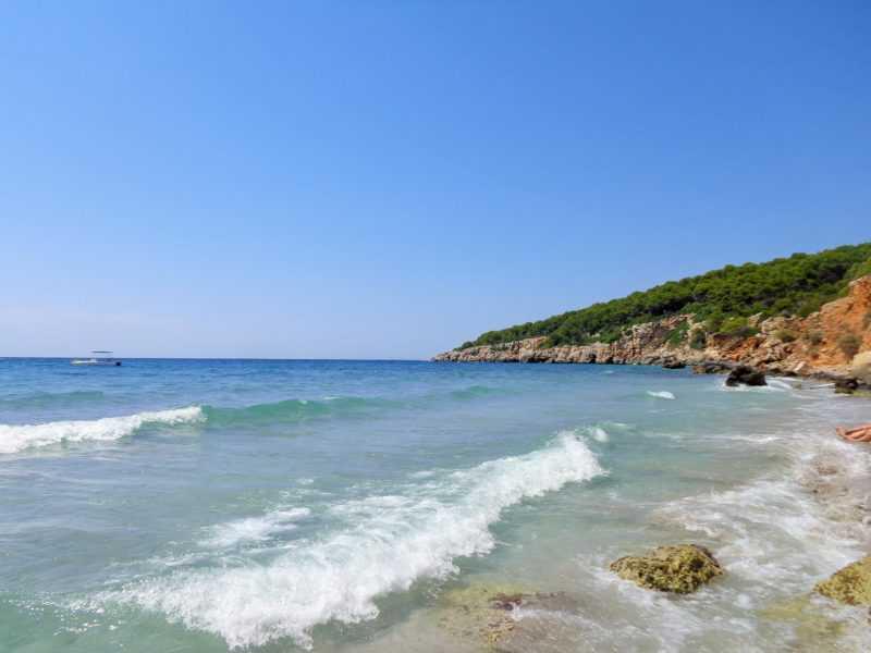 binigaus, calas alucinantes, playas alucinantes, menorca, que ver en menorca, españa, islas baleares