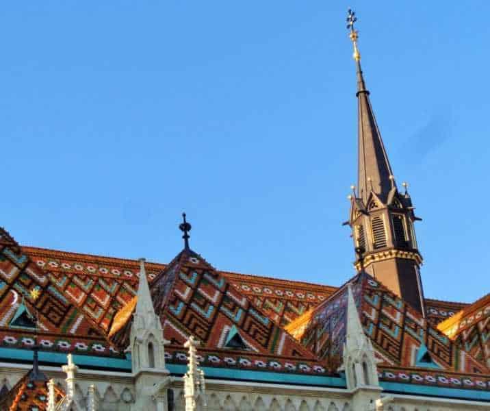 Budapest, Buda, imperdibles Budapest, que ver en Budapest, tres días en Budapest, Europa, mochileros, mochileros por Europa, Bastión de los Pescadores, Iglesia de Matías