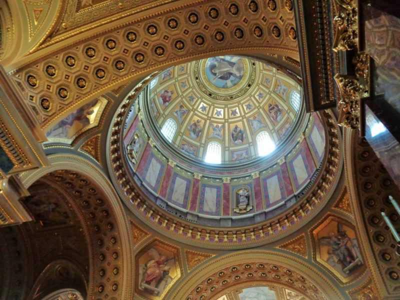 Basílica de San Esteban, Budapest , Pest, imperdibles Budapest, que ver en Budapest, tres días en Budapest, Europa, mochileros, mochileros por Europa