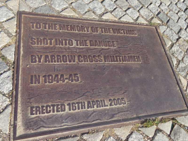 Monumento de los Zapatos, Shoes on the Danube promenade, Budapest , Pest, imperdibles Budapest, que ver en Budapest, tres días en Budapest, Europa, mochileros, mochileros por Europa
