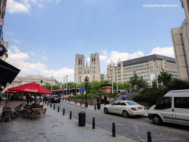 Catedral de San Miguel y Santa Gúdula - bruselas - belgica - europa - eurotrip - mochilero a europa