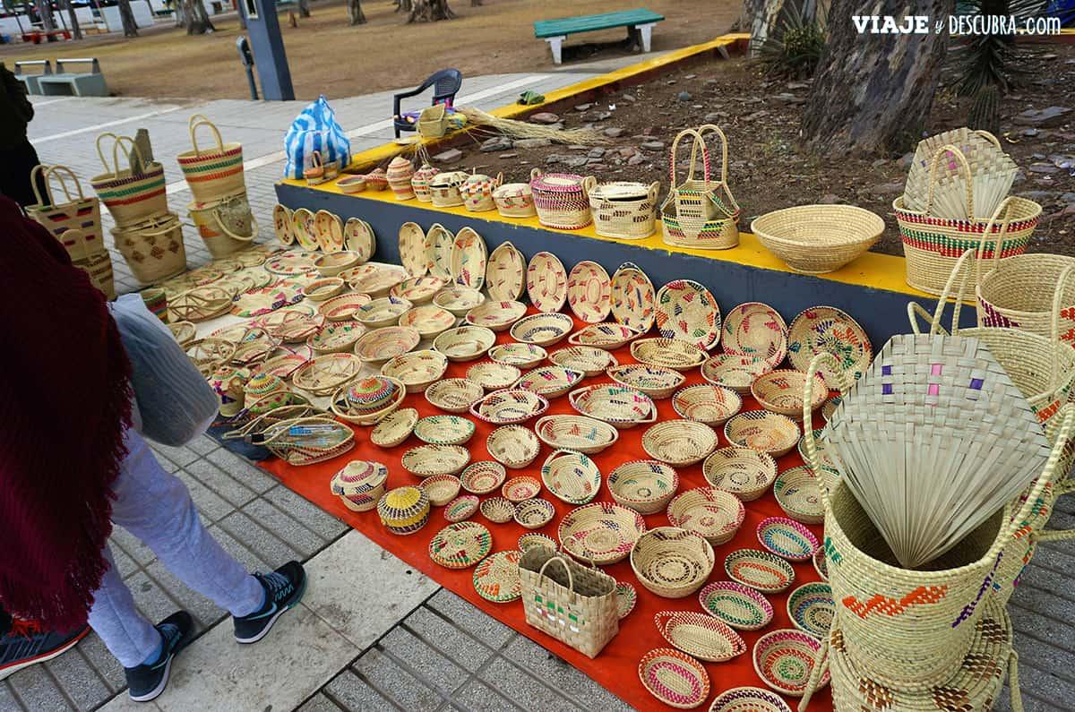 cestos,-cesteria,-feria-artesanal,-artesanias,-termas-de-rio-hondo,-santiago-del-estero