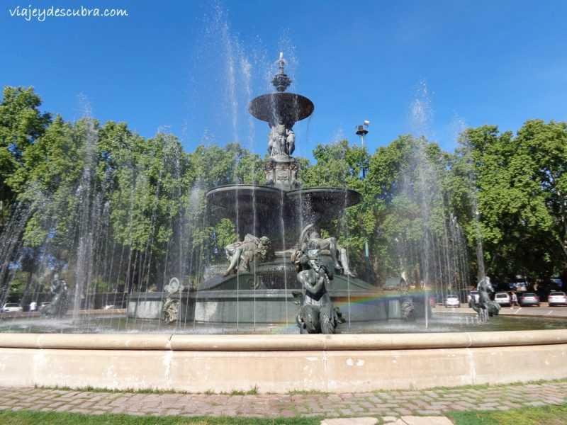 Fuente de los Continentes, con arco iris incluido. - Foto: Flor Zaccagnino