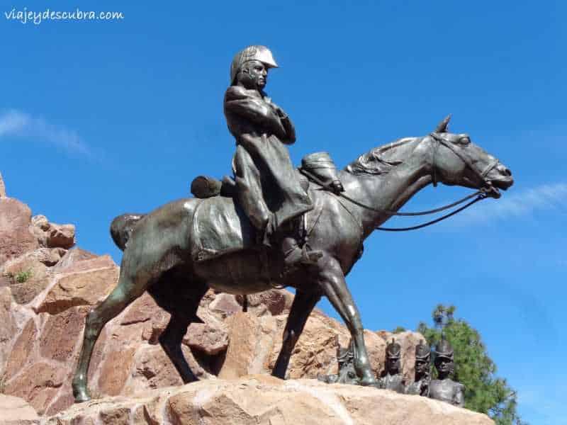 Detalle del Gral. San Martín en el Monumento del Cerro de la Gloria - Foto: Flor Zaccagnino