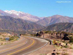 Ruta 7. Cordillera de los Andes. Mendoza. Argentina. Alta Montaña.