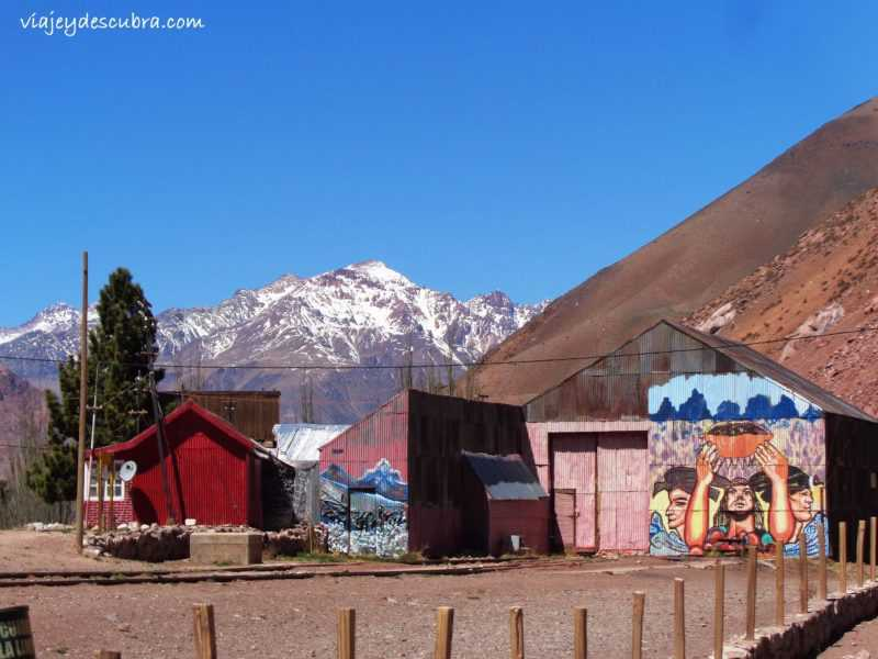 Puente del Inca. Ruta 7. Cordillera de los Andes. Mendoza. Argentina. Alta Montaña.