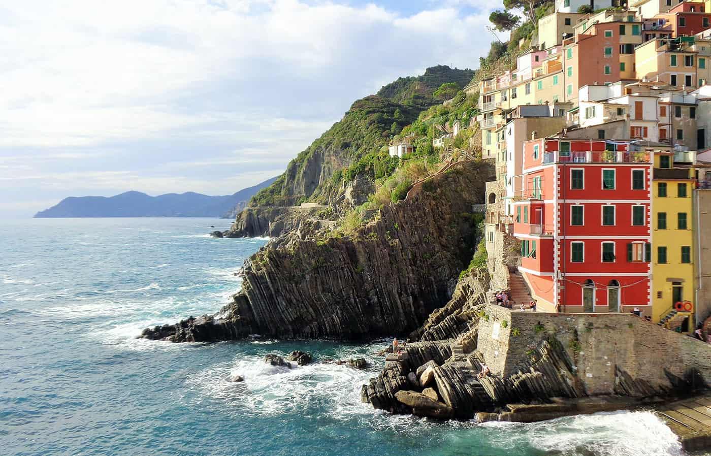 el-mejor-seguro-de-viaje-para-europa,-Schengen,-asistencia-al-viajero,-contratar-seguro-barato,-italia,-cinqueterre,-viajeydescubra