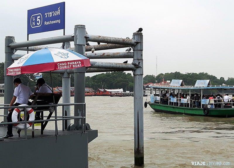 imperdibles-Bangkok,-Tailandia,-Asia,-como-moverse,-barcos,-rio-chao-phaya,-pier