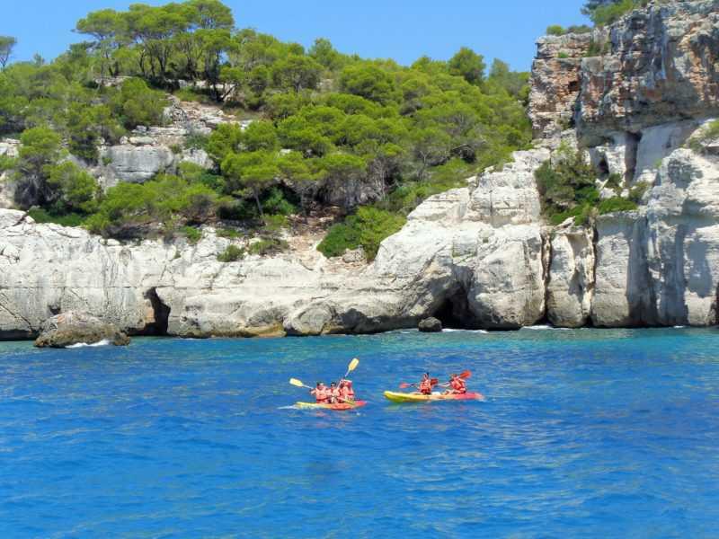 imperdibles menorca, paseo de barco, menorca, que ver en menorca, españa, islas baleares