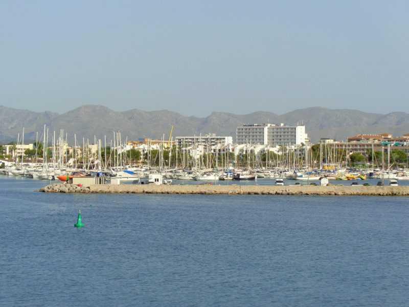 menorca, españa, baleares, isla, europa, mochilero por europa, que hacer en menorca, balearia, ferry, puerto, ciutadella