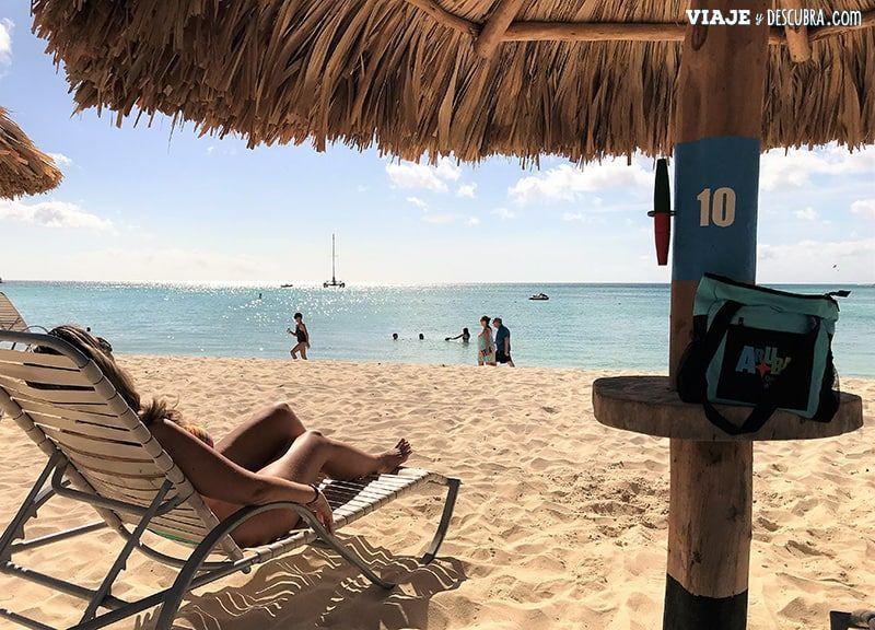 que-ver-en-Aruba,-imperdibles,-ARUBA,-CARIBE,-hilton-hotel,-playa,-palm-beach