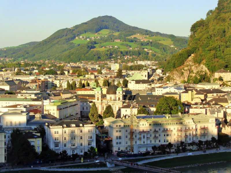 salzburgo, imperdibles salzburgo, que ver en salzburgo, salzburg, austria, visit salzburg, europa, europa con mochila, mochileros, mochileros por europa, mirador, monchsberg