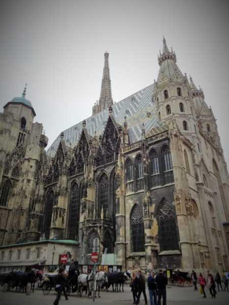 stephansdom, san esteban, catedral, Viena, Austria, imperdibles, imperdibles Viena, que ver en Viena, 3 días en Viena, visit Viena, Europa, mochileros en Europa, mujer viajando sola