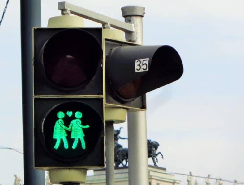 Viena, callecitas, Austria, imperdibles, imperdibles Viena, que ver en Viena, 3 días en Viena, visit Viena, Europa, mochileros en Europa, mujer viajando sola, semáforos