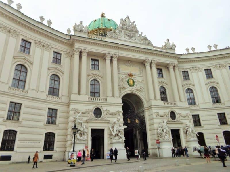 Viena, Holburg, palacio, palace, Austria, imperdibles, imperdibles Viena, que ver en Viena, 3 días en Viena, visit Viena, Europa, mochileros en Europa, mujer viajando sola