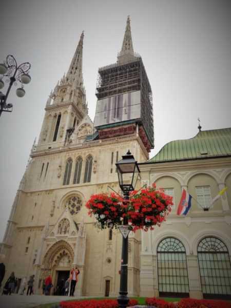 Catedral, Zagreb, que ver en Zagreb, Zagreb en dos días, Croacia, Europa, mochileros en europa