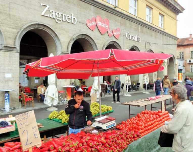 Zagreb, Feria, Mercado Central, Dolac Market, Dolac, Zagreb, que ver en Zagreb, Zagreb en dos días, Croacia, Europa, mochileros en europa